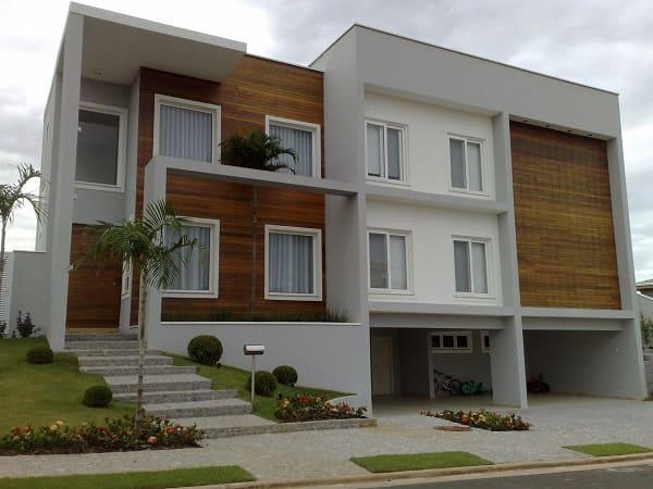 Casa quadrada: fachada de casa moderna com madeira (projeto: Ivanilza Alencar)
