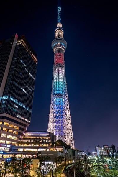 Torre mais alta do mundo: Tokyo Skytree à noite