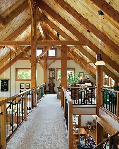 Wood Frame: interior de casa com dois andares