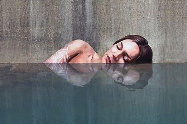 Intervenção Urbana: Mulheres emergindo da água - Sean Yoro
