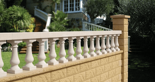 Balaústre de concreto em muro