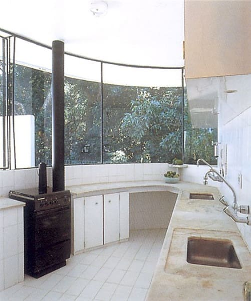 Casa das Canoas: cozinha