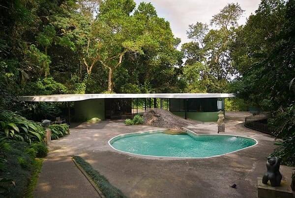Casa das Canoas: área externa