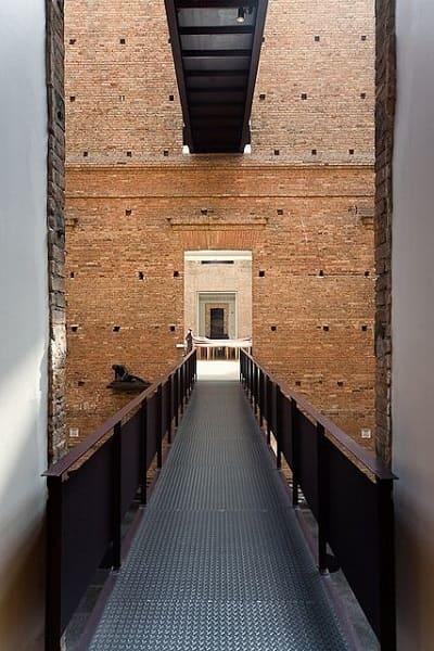 Pinacoteca: visão da passarela metálica