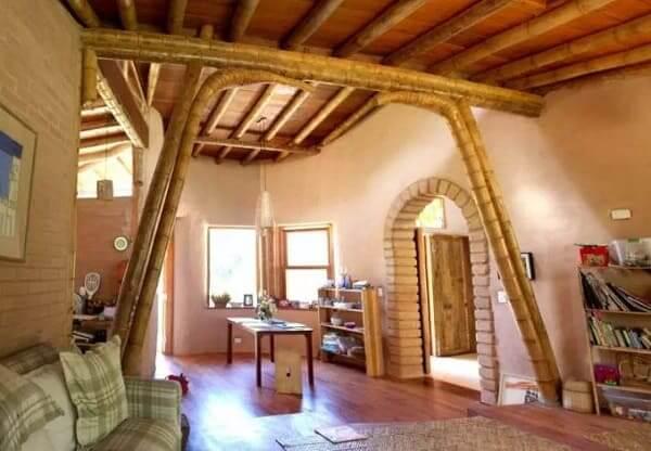Casa de bambu: casa com estrutura de colmos de bambu (projeto: Irina Biletska)