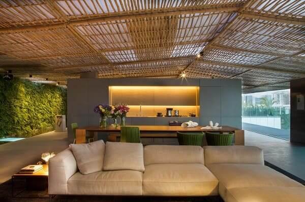 Casa de bambu: casa com cobertura de bambu (projeto: Gisele Taranto)