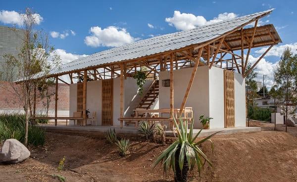 Casa de Bambu: residência fez uso do bambu na estrutura e paredes (projeto: Rozana Montiel - Estúdio de Arquitectura)