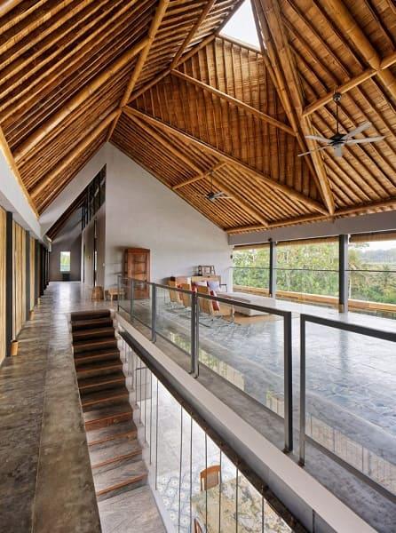 Casa de Bambu: telhado de bambu (projeto: Budi Prodono)