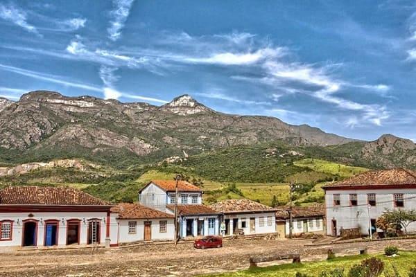 Cidades Históricas de Minas Gerais: Praça Monsenhor Mendes - Catas Altas
