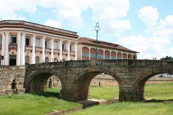 Cidades Históricas de Minas Gerais: ponte do período colonial - São João Del Rei