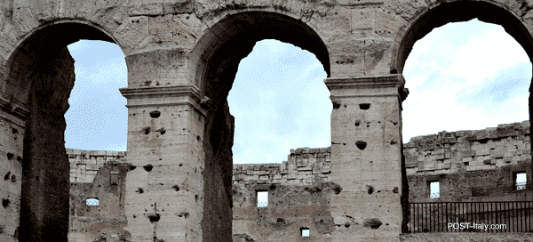 Coliseu de Roma: arcos da fachada