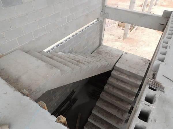 Com fazer escada de concreto: escada de concreto pré-moldada