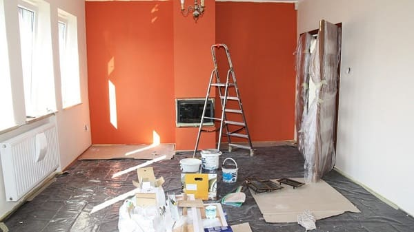 Reforma de apartamento: piso e portas protegidos (foto: Gazeta do Povo)