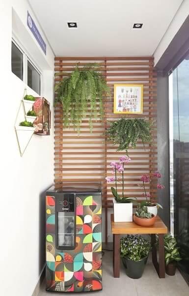 Urban Jungle em sacada estreita (projeto: Juliana Muchon)