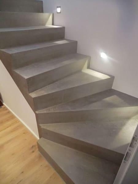 Escada de concreto em L com iluminação (foto: Pinterest)