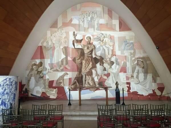 Igreja da Pampulha: altar com painel de São Francisco de Assis (foto: Viajento)
