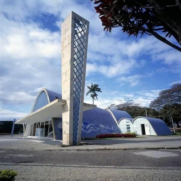 Igreja da Pampulha: marquise que conduz à torre