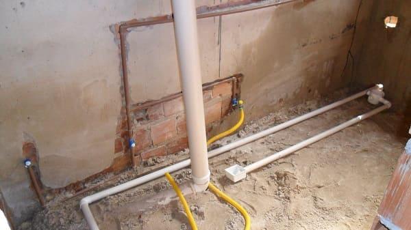 Instalação hidráulica: base de areia