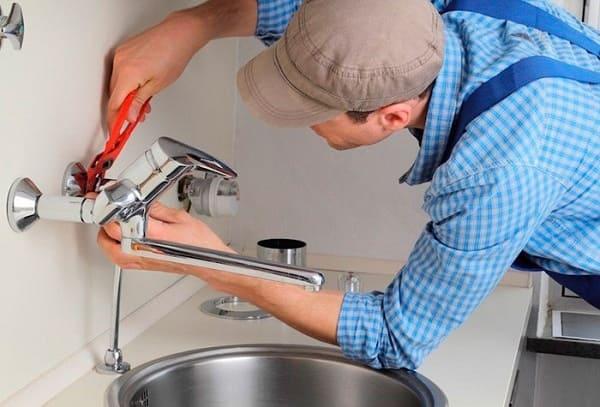Instalação hidráulica: etapa final é a instalação de torneiras e louças