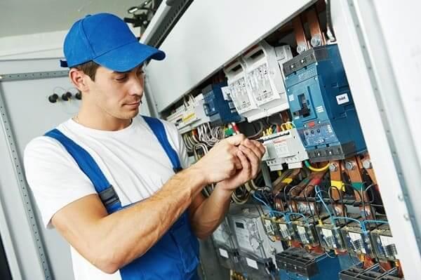 NBR 5410: norma orienta o trabalho do eletricista