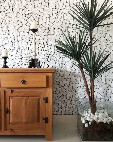 Pedra Portuguesa branca na sala (projeto: Letícia de Nóbrega)