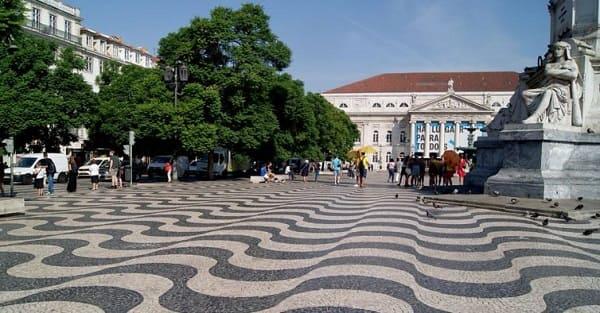 Pedra Portuguesa: largo do Rossio em Portugal