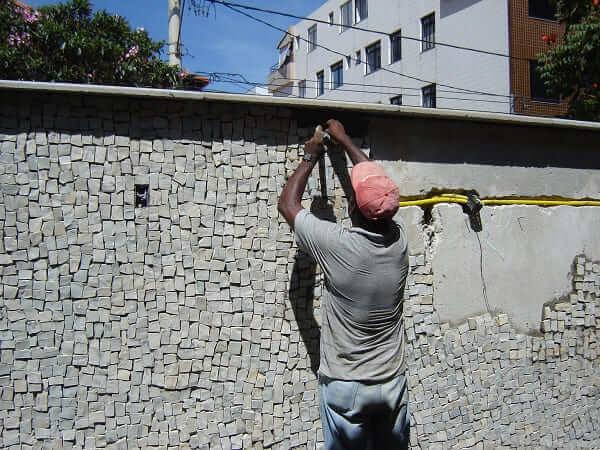 Pedra Portuguesa: aplicação em fachada (foto: Minasit)
