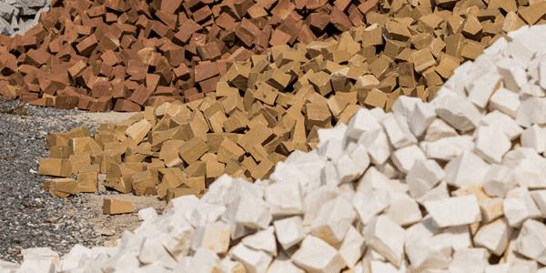 Pedra portuguesa branca e marrom