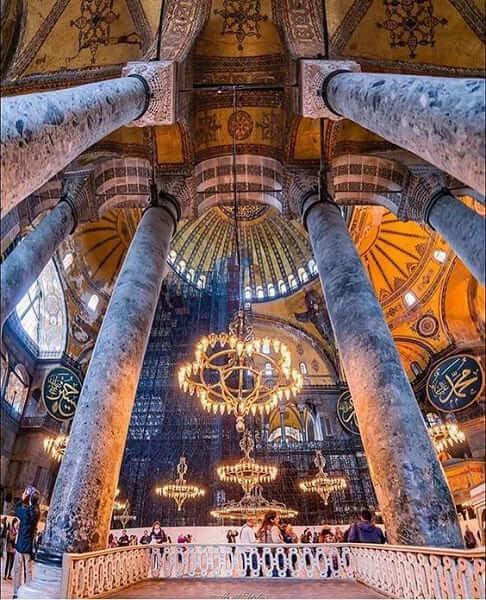 Arquitetura Bizantina: pilares e lustres