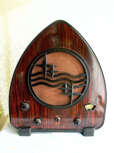 Art Decó: Rádio Philips Art Deco (1931) - (foto: Wikipédia)
