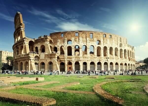 As sete maravilhas do mundo: Coliseu de Roma - fachada e área externa