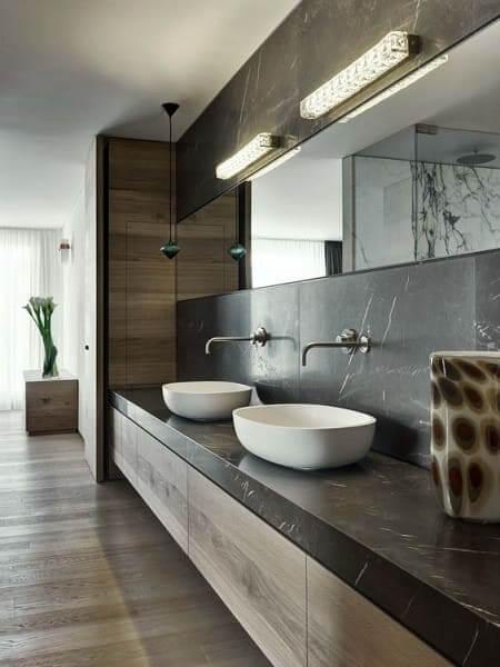 18. Dekton Kelya em banheiro de condomínio de luxo (projeto: Motta Papiani Architetti)