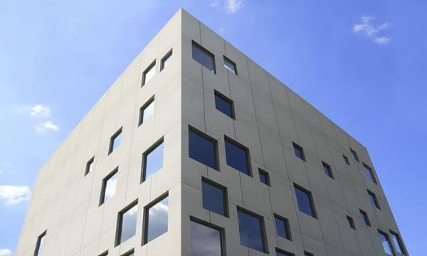 17. Dekton em fachada ventilada garante durabilidade (foto: Revista USE)