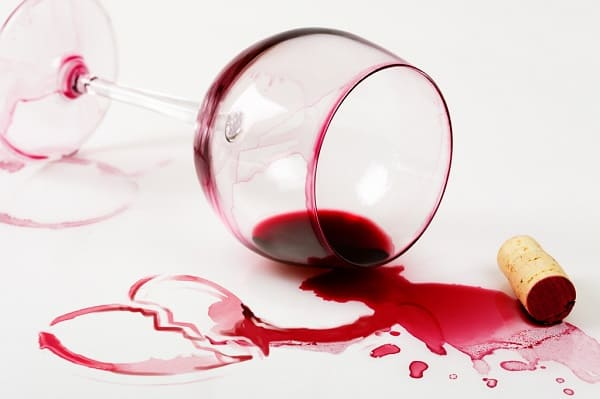 Dekton: material é resistente a manchas de vinho e outras bebidas e alimentos