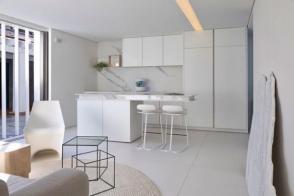 7. Dekton no revestimento da cozinha da Casa Contêiner, projeto de Marília Pellegrini para a CasaCor SP 2019