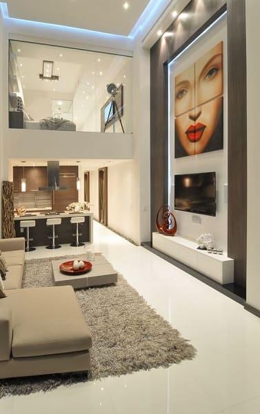 20. Pé direito duplo: decoração moderna e ambiente integrado