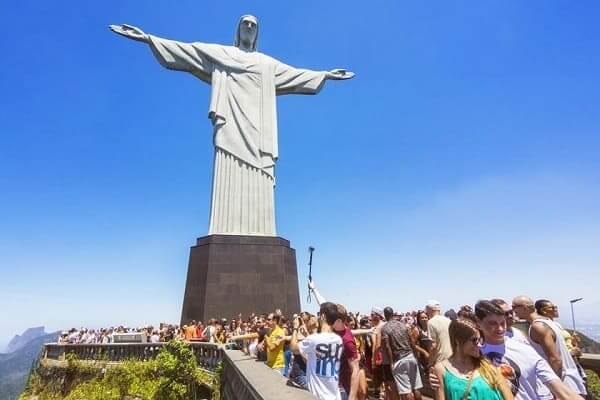 Sete maravilhas do mundo: Cristo Redentor - turistas
