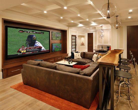 Casa estilo americano: basement transformado em sala de TV