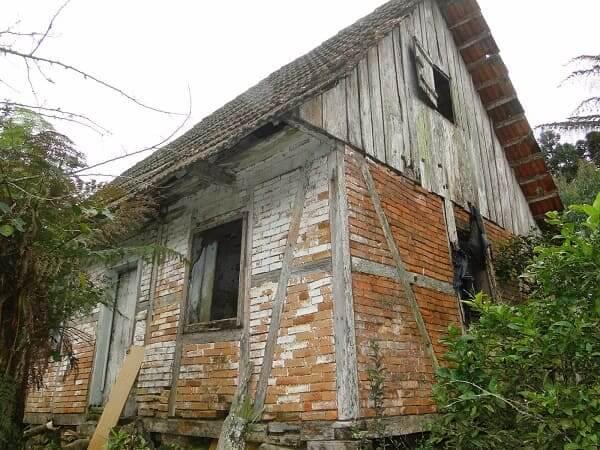 Casas Antigas: Casa de arquitetura colonial em São Bento do Sul, Santa Catarina