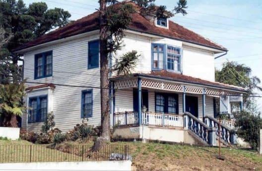 Casas Antigas: Casa em Canoinhas, Santa Catarina, construída com tábuas horizontais (foto: Vitruvius/ Amilcar J Bogo)