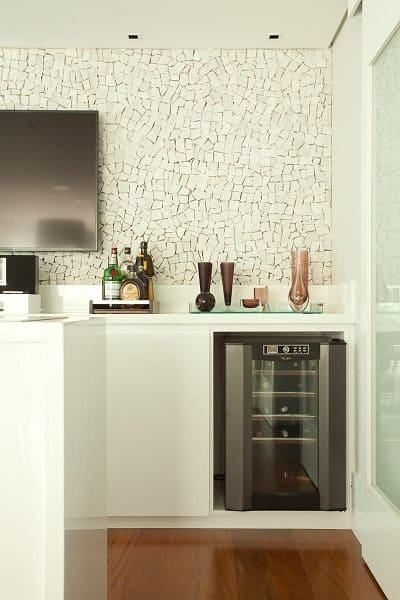 18. Mosaico branco em área gourmet (projeto: Liliana Zenaro)