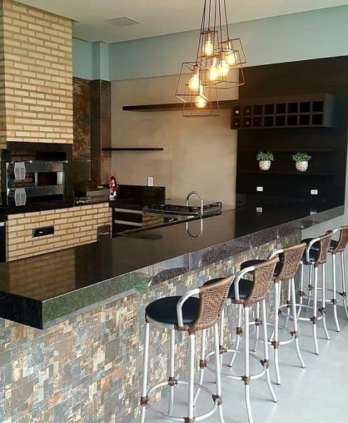 13. Mosaico em bancada na churrasqueira (projeto: Ginateli De Angeli)