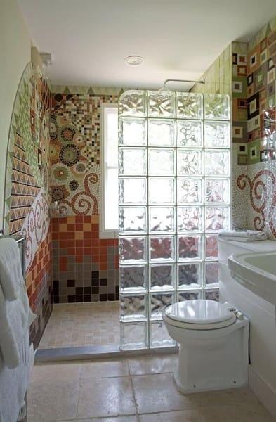 12. Mosaico em box de banheiro (foto: Pinterest)