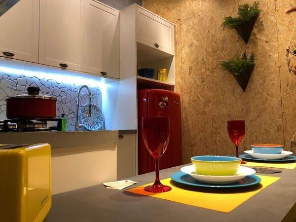 3. Mosaico sob bancada de cozinha (projeto: Viviana Alvadia)