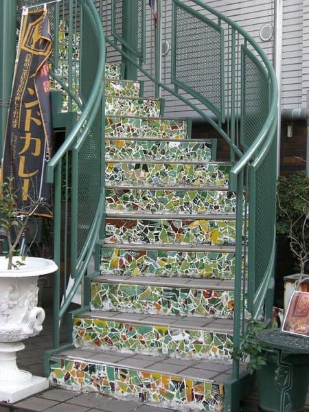 Mosaico verde em escada