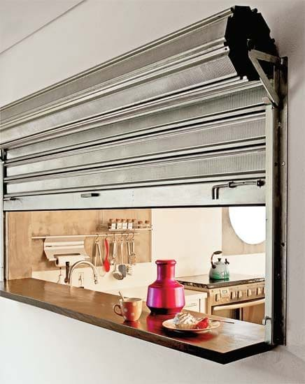 Passa prato com porta em estilo industrial (foto: Pinterest)