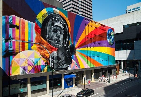 Kobra grafite: Neil Armstrong Cincinnati, Estados Unidos (2015)