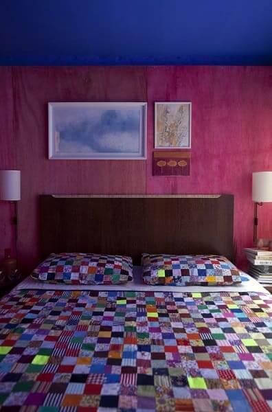 Madeirite resinado em cabeceira de cama