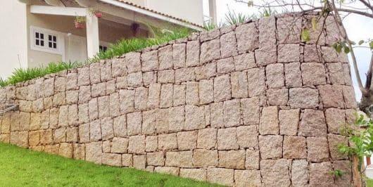 Alvenaria de pedra em muro