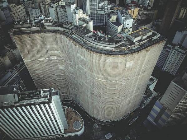 Arranha-céus em São Paulo: Copan (fonte: Unsplash)